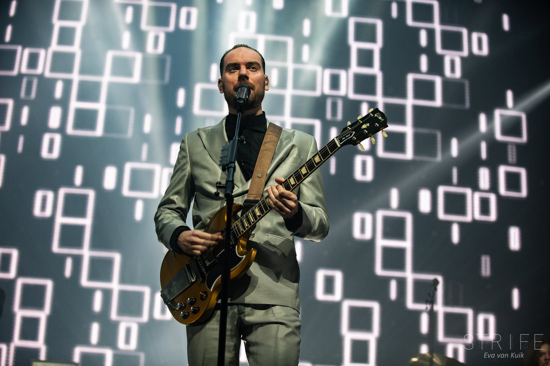 live-review-de-staat-celebrates-new-album-bubble-gum-at-sold-out-amsterdam-show
