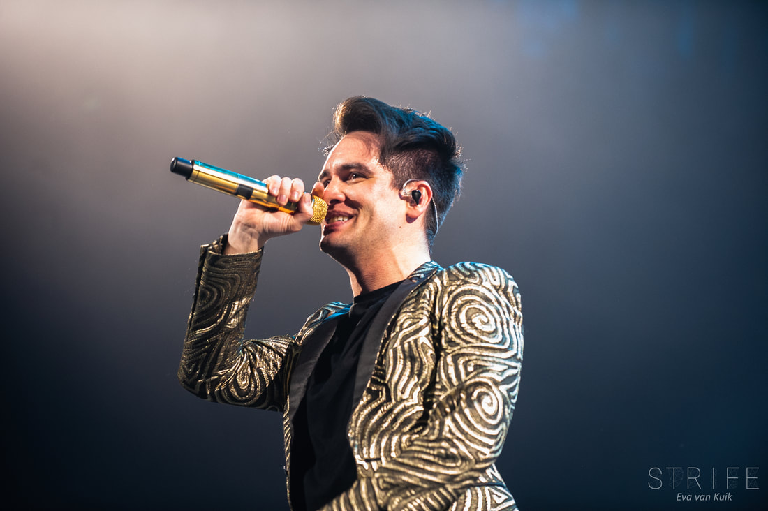 live-review-panic-at-the-disco-display-greatness-on-first-european-pray-for-the-wicked-show