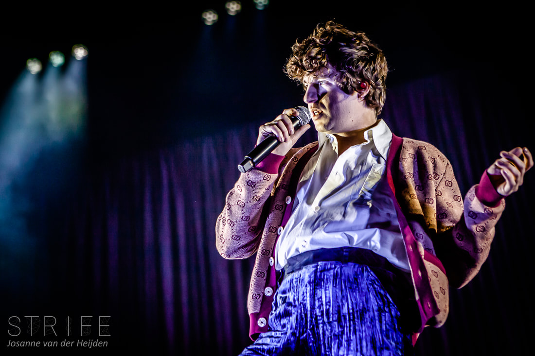 photo-review-the-kooks-play-biggest-dutch-headliner-show-to-date