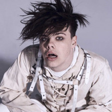 YUNGBLUD Mixes Drake With Arctic Monkeys In New Cover Mash-Up
