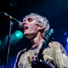 "Waterparks Play ""Turbulent"" Live For The First Time At Slam Dunk"