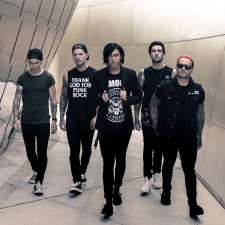 Sleeping With Sirens' Kellin Quinn Joined The Used On Stage