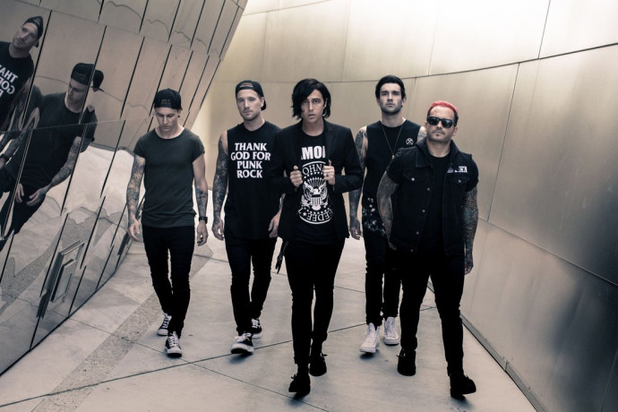 "Sleeping With Sirens Release New Track ""Break Me Down"""