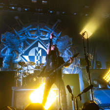 PHOTO REVIEW: Machine Head Treat Fans To Special Three Hour Set In Sold Out Tilburg Show