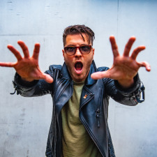 INTERVIEW: Ice Nine Kills Frontman Spencer Charnas Discusses Deluxe Album 'The Silver Scream', Horror & More