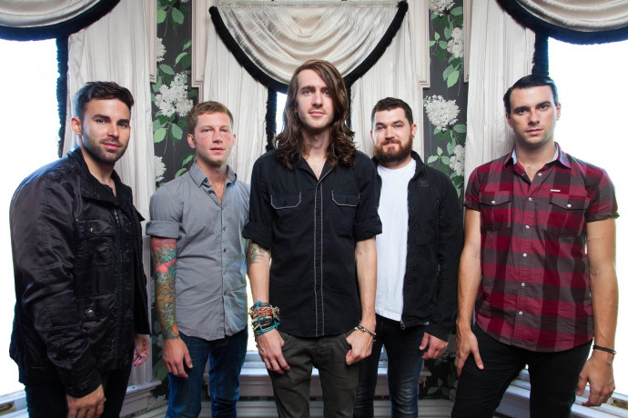 "Post-Show Interview With Mayday Parade's Derek Sanders Following The First Night Of The ""Forever Emo"" Tour"