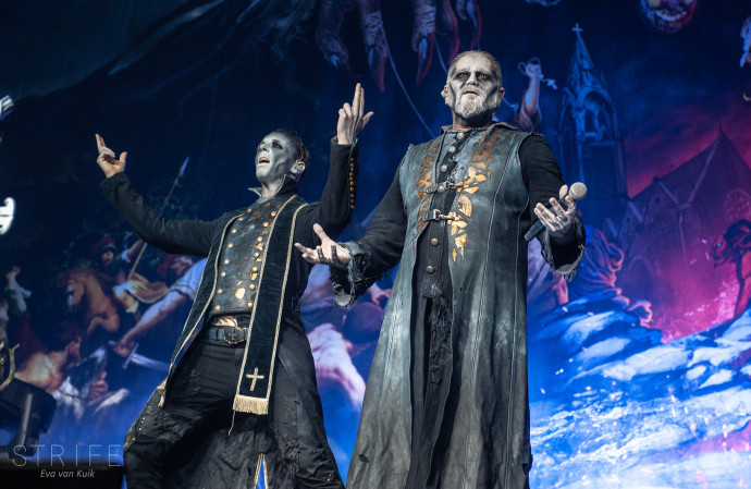 LIVE REVIEW: Powerwolf & Gloryhammer Showcase New Albums For Sold-Out Tilburg Crowd