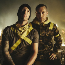 QUIZ: Which Twenty One Pilots Member Are You?
