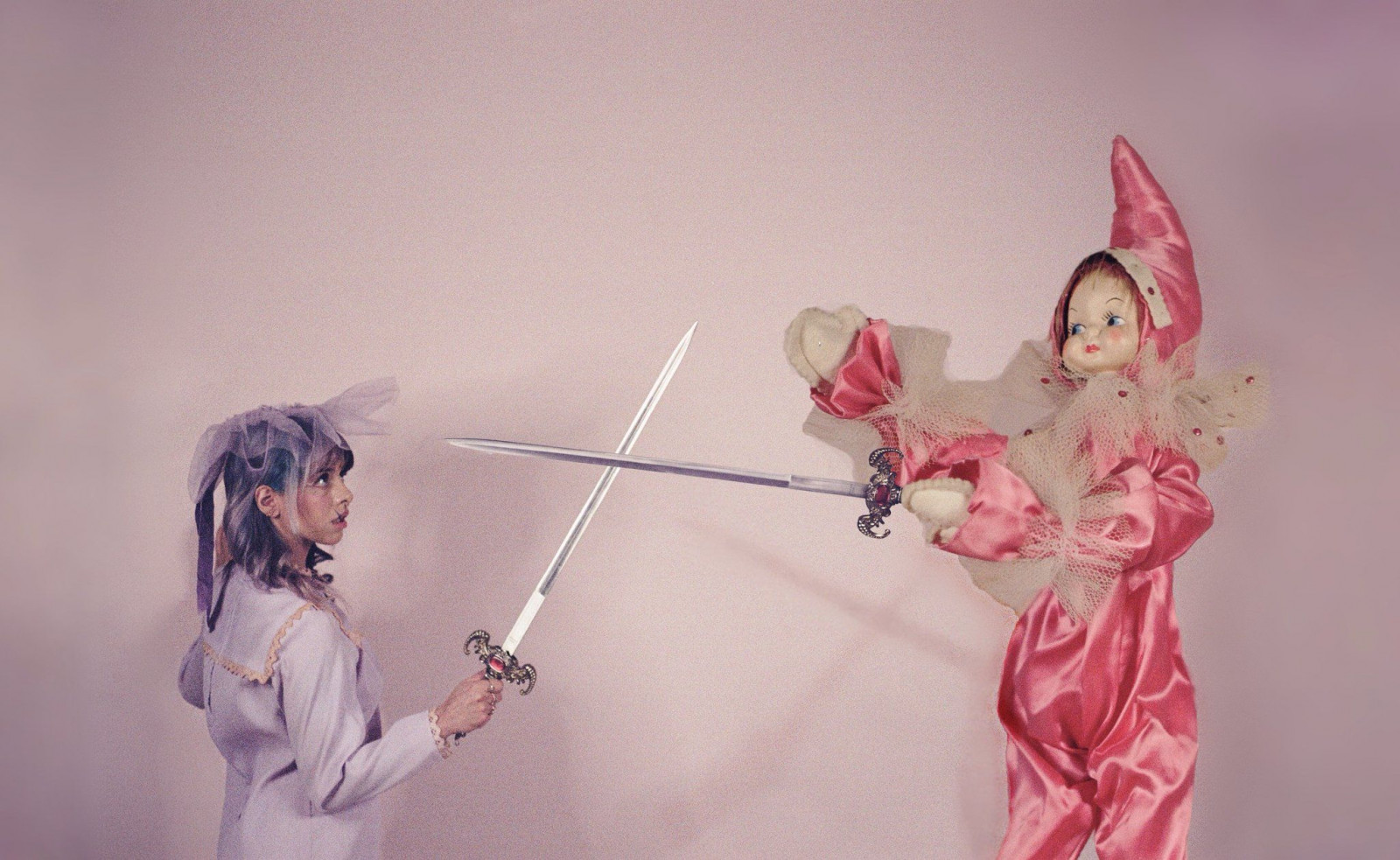 melanie-martinez-sword-fighting