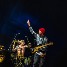 Twenty One Pilots Go Gold With 'The Hype'