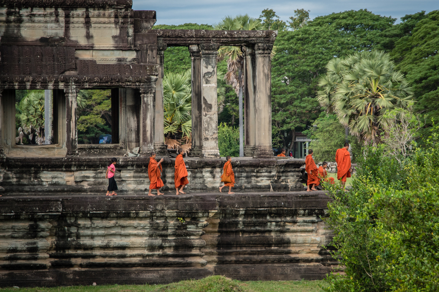 cambodia-photo-tours-angkor-wat-through-the-lens