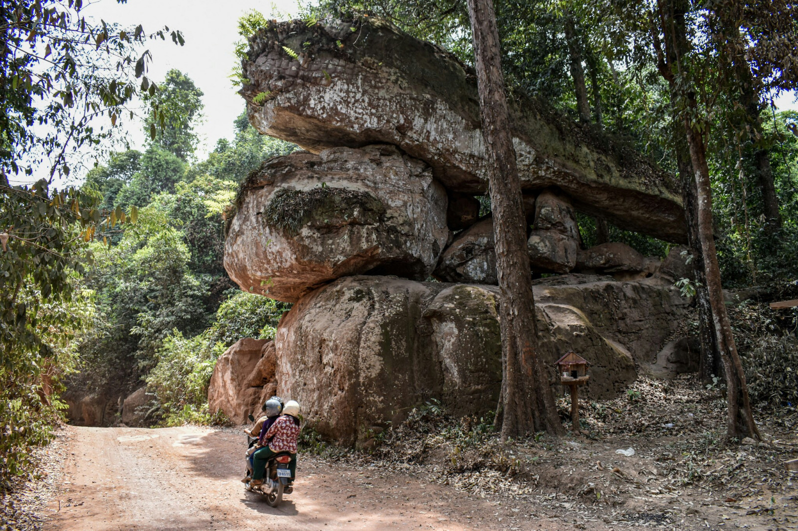 Cambodia photo tours phnom kulen khmer empire