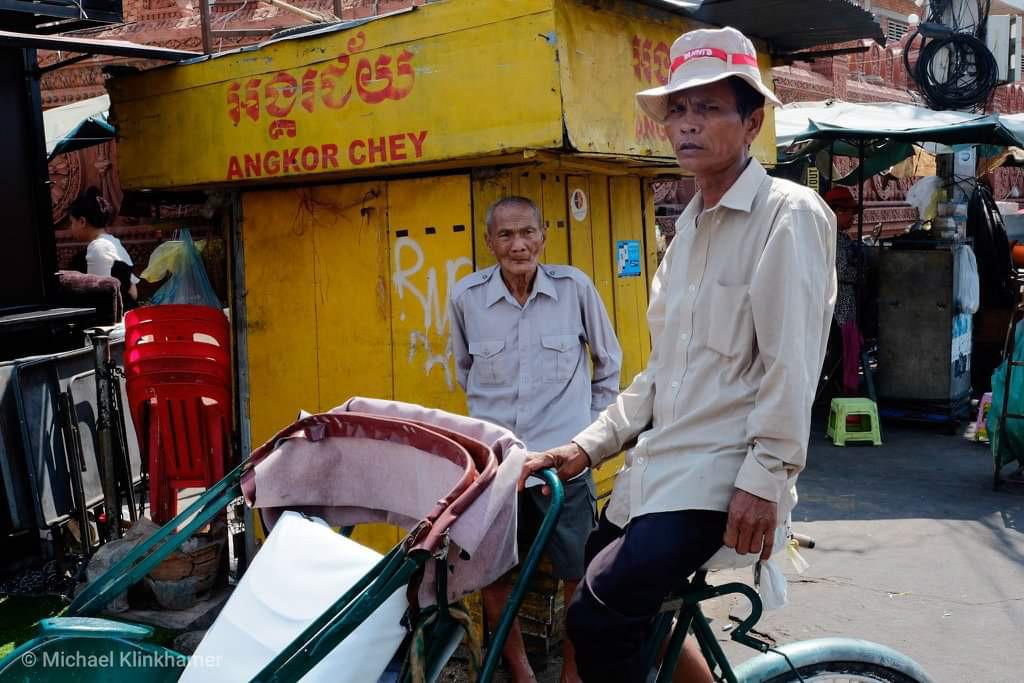 Photo tour with a rikshaws in Cambodia 3