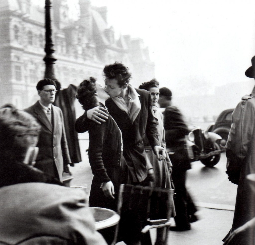 amsterdam-photo-tours-photographer-robert-doisneau-kiss