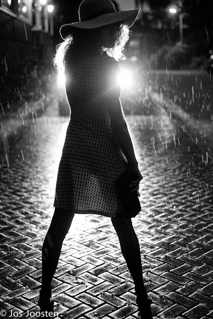 Astrid retroiluminación fotografía en blanco y negro por Jos Joosten