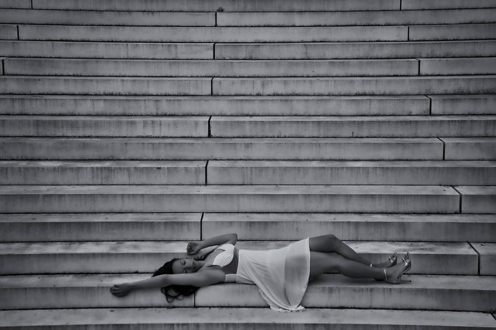 Lerne mehr über Kompositionen in der Fotografie Dame auf der Treppe von Jos Joosten